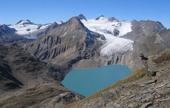 Nufenenstock (2'865 m) + Capanna Corno-Gries (2'338 m)