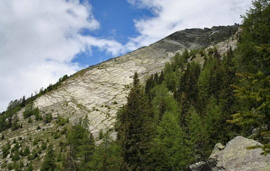 Pizzo Bombögn (2'331 m)