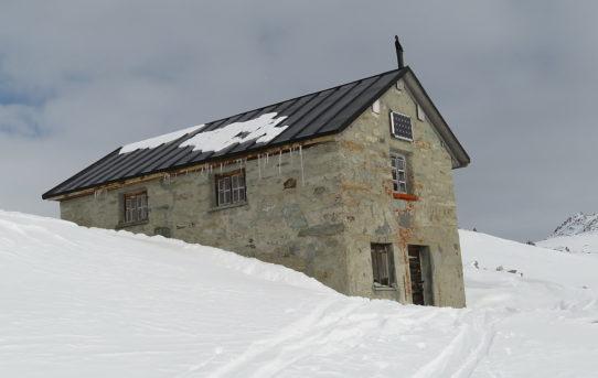 Under Surettasee + Ober Surettasee + Seehütte