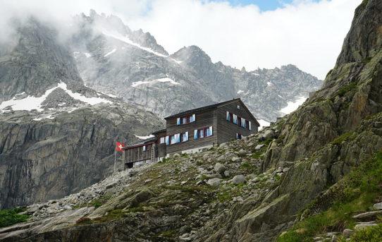 Bächlitalhütte (2'328 m)