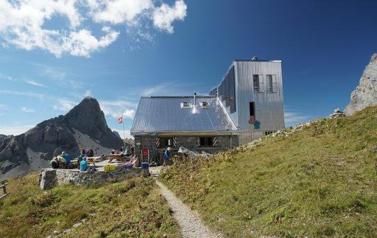Cabane Rambert (2'530 m)