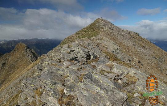 Capanna Cava (2'066 m) + Cima di Biasca (2'573 m)